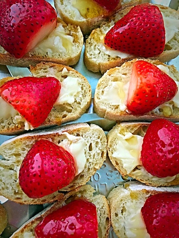 Strawberry Champagne Bites Tray Close Up